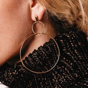 Jewelry - 🆕 Circle hoops geometric statement earrings
